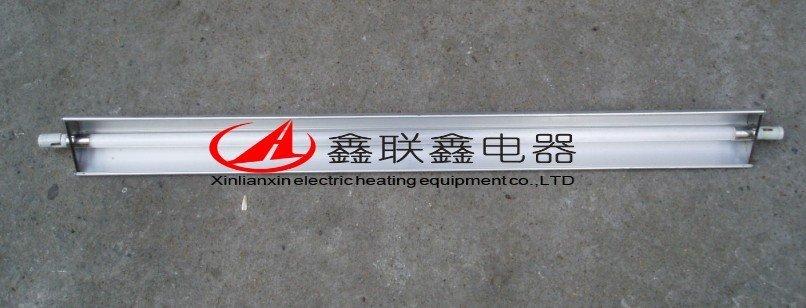 产品描述: 石英远红外电热管是采用了经特殊工艺加工的乳白石英玻璃管、配用电阻合材料作为发热子,由于乳白石英玻璃可以吸收来自电热丝辐射的几乎全部的可见光和近红外光、且能使之转化为远红外辐射。 产品特点: 石英加热管不用涂料,辐射率稳定、高温不变形、无有害辐射、无环境污染、耐高温、抗蚀能力极高,化学稳定性好、热惯性小、热响应速度快、热转换效率高。 产品用途: 它可广泛地应用于机电、化学、电子纺织、印染、塑料、印刷、粮食、食品加工、医学卫生、皮革等加热干燥,固化脱水及各类烘道、烘房、烘箱的加热设备上。远红外石